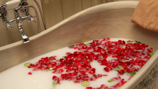 Relaxing bath at home helps destress