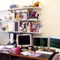 cluttered-desk-as-a-result-of-presenteeism